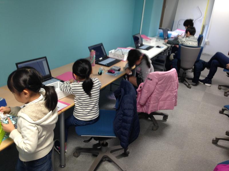 プログラミング体験教室の様子(2/12AM)
