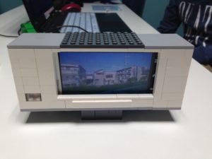 レゴとスマホでつくった液晶テレビ!
