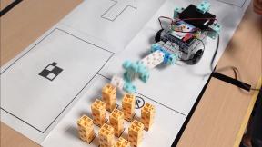 自走式投擲ロボット
