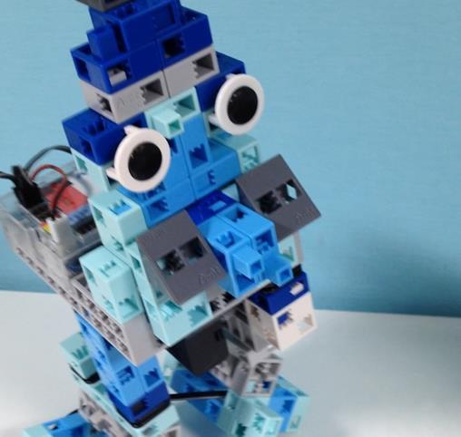 鳥型二足歩行ロボット