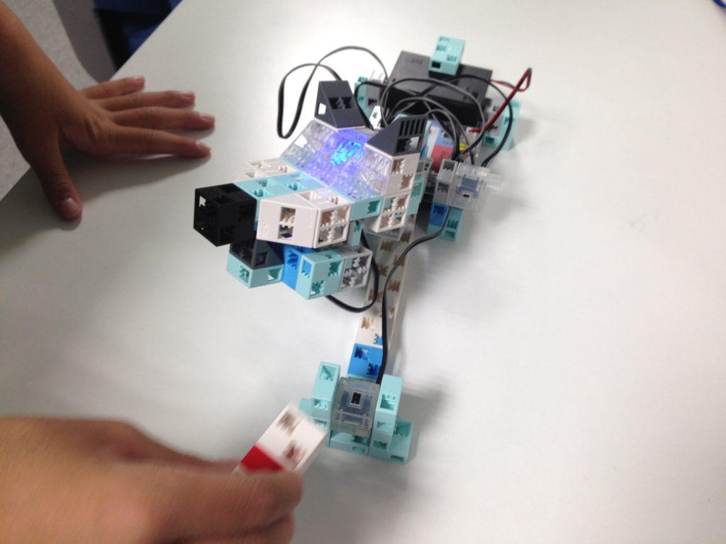 番犬ゲームロボット